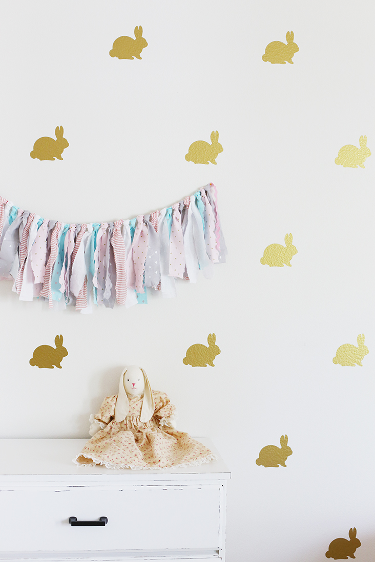 Marvelous DIY Vinyl Bunny Wall