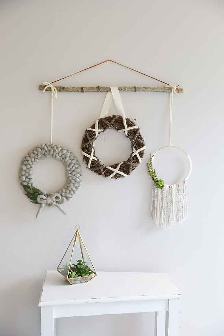 DIY Yarn Wreath