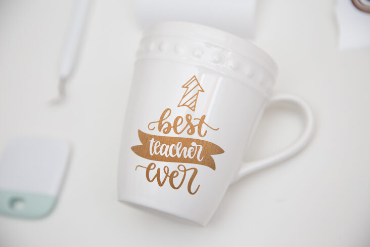 DIY Cricut Teacher Mug