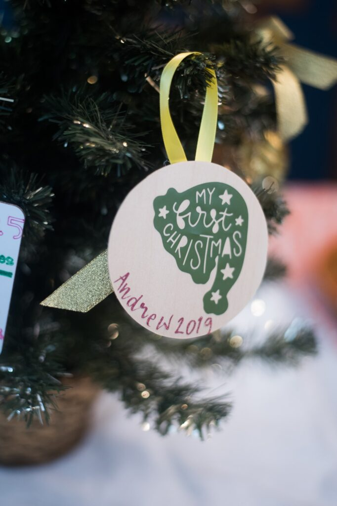 DIY Cricut ornament